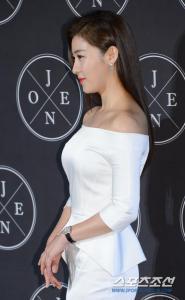 Ha Ji Won saat launching J.One