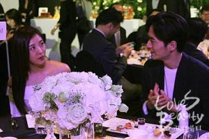 Lee Jin Wook hadir di acara launching J. One